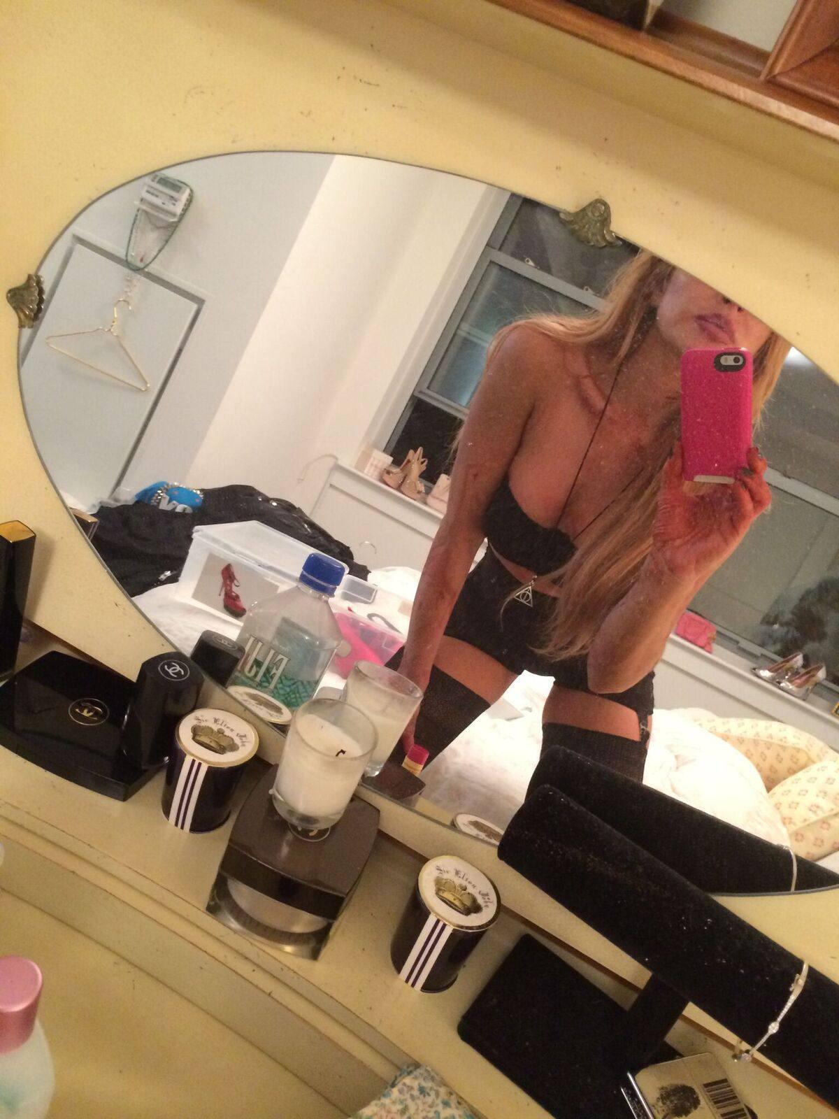 Lindsay Lohan Naked Private Pics