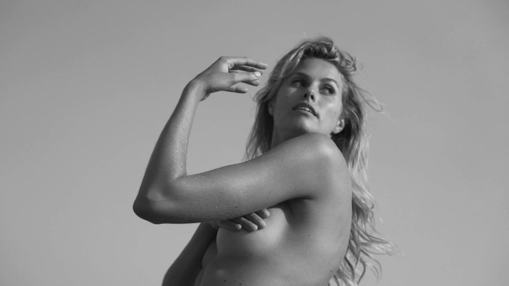 Natalie Jayne Roser Hot Topless Photoshoot