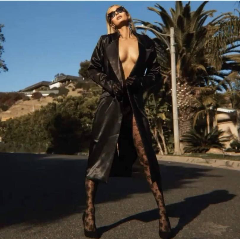 Paris Hilton Sexy Pictures