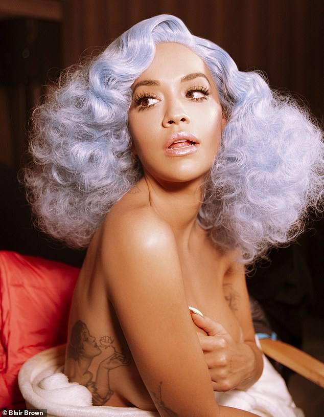 Rita Ora Hot Braless Side Boob