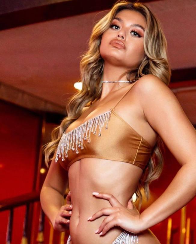 Sofia Jamora Sexy Bikini Photoshoot