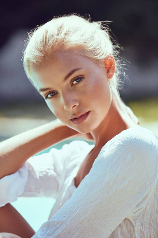Bella Oelmann Beautiful Photos
