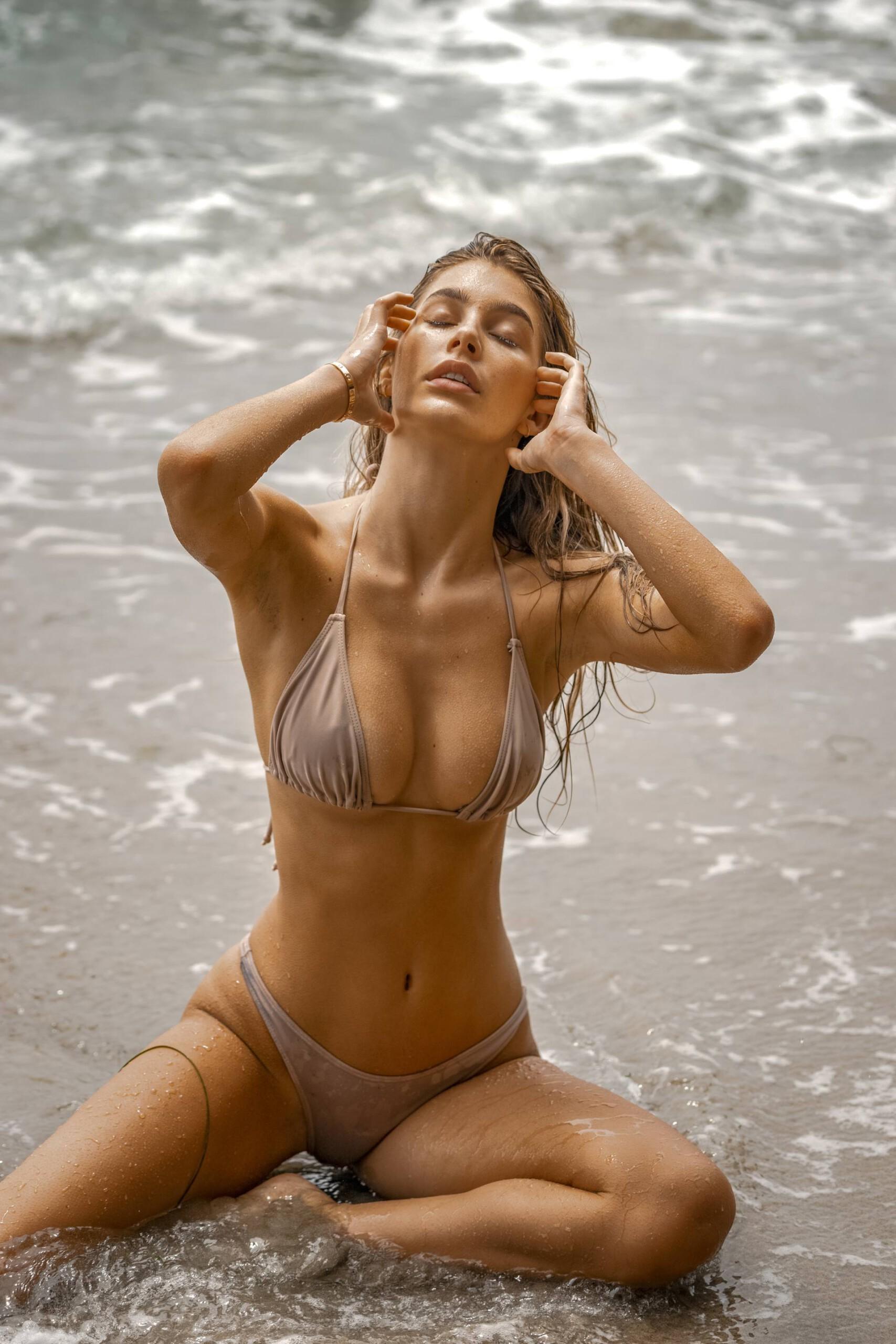 Camila Morrone Sexy In Small Bikini
