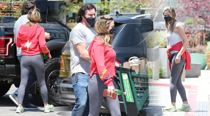 Denise Richards – Sexy in Leggings Out in Malibu