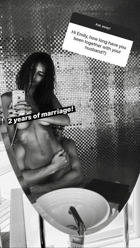 Emily Ratajkowski Naked Selfie