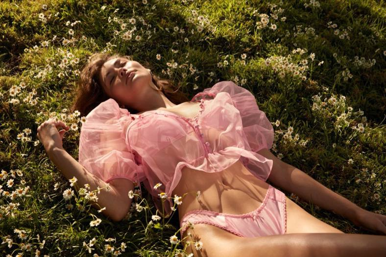 Grace Elizabeth Beautiful In Lingerie
