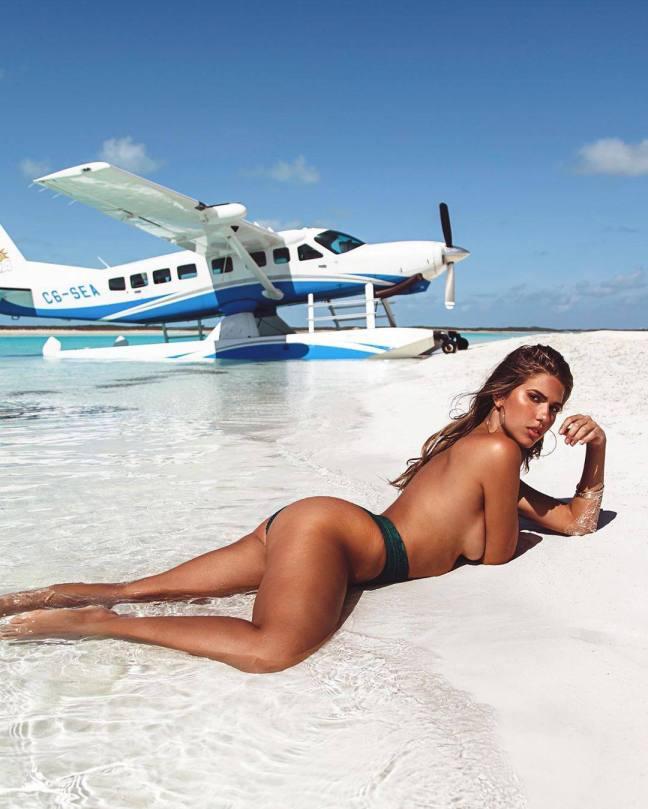 Kara Del Toro Beautiful In Racy Topless Photo At Beach
