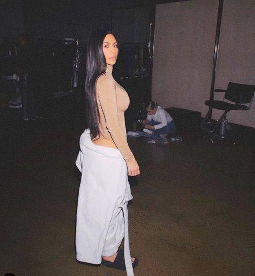 Kim Kardashian Sexy Side Profile Boobs