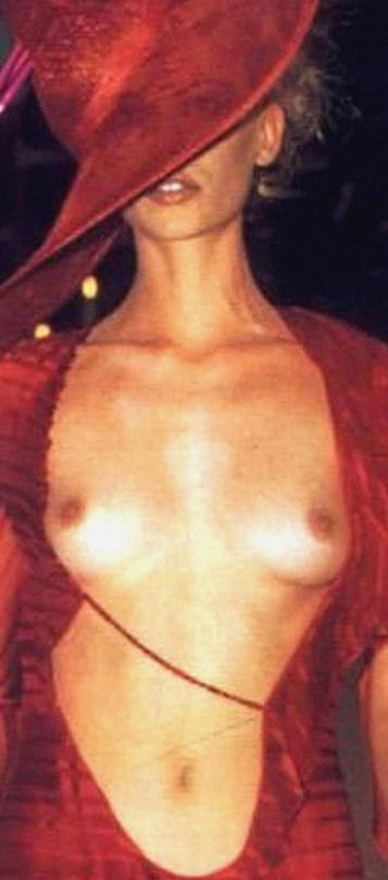 Kylie Minogue Scandalous Naked Pics