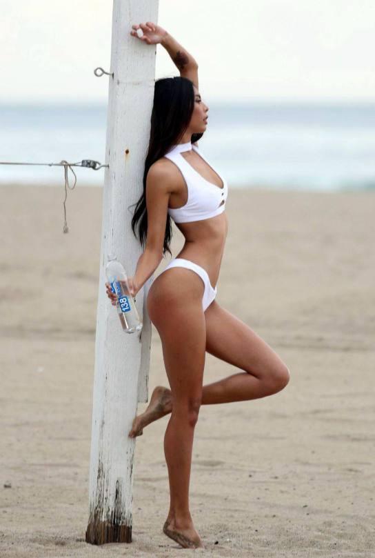 Nicole Esparza Sexy Hourglass Body