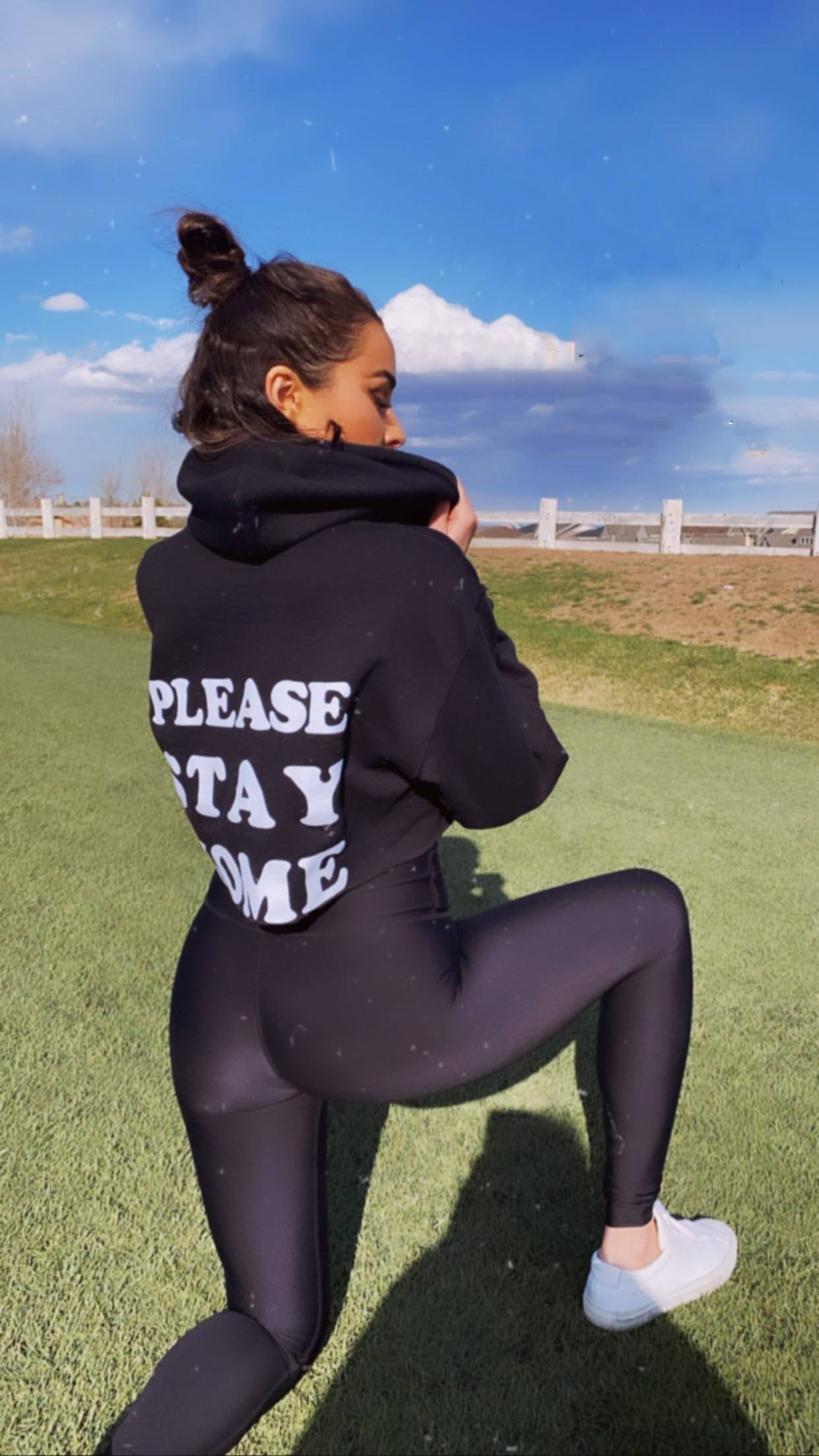 Olivia Culpo Sexy Ass In Spandex Pants