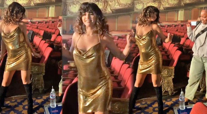 Selena Gomez – Sexy Braless Dancing in Golden Clingy Dress (VIdeo)