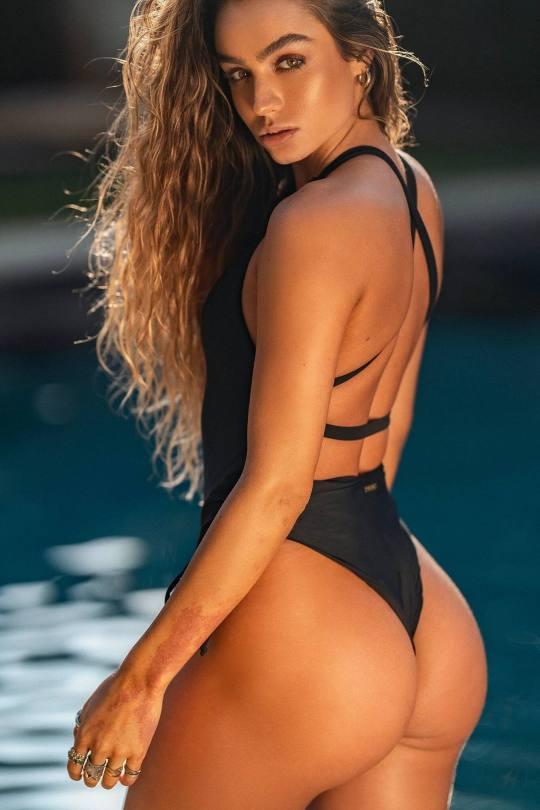 Sommer Ray Hot Bikini Body