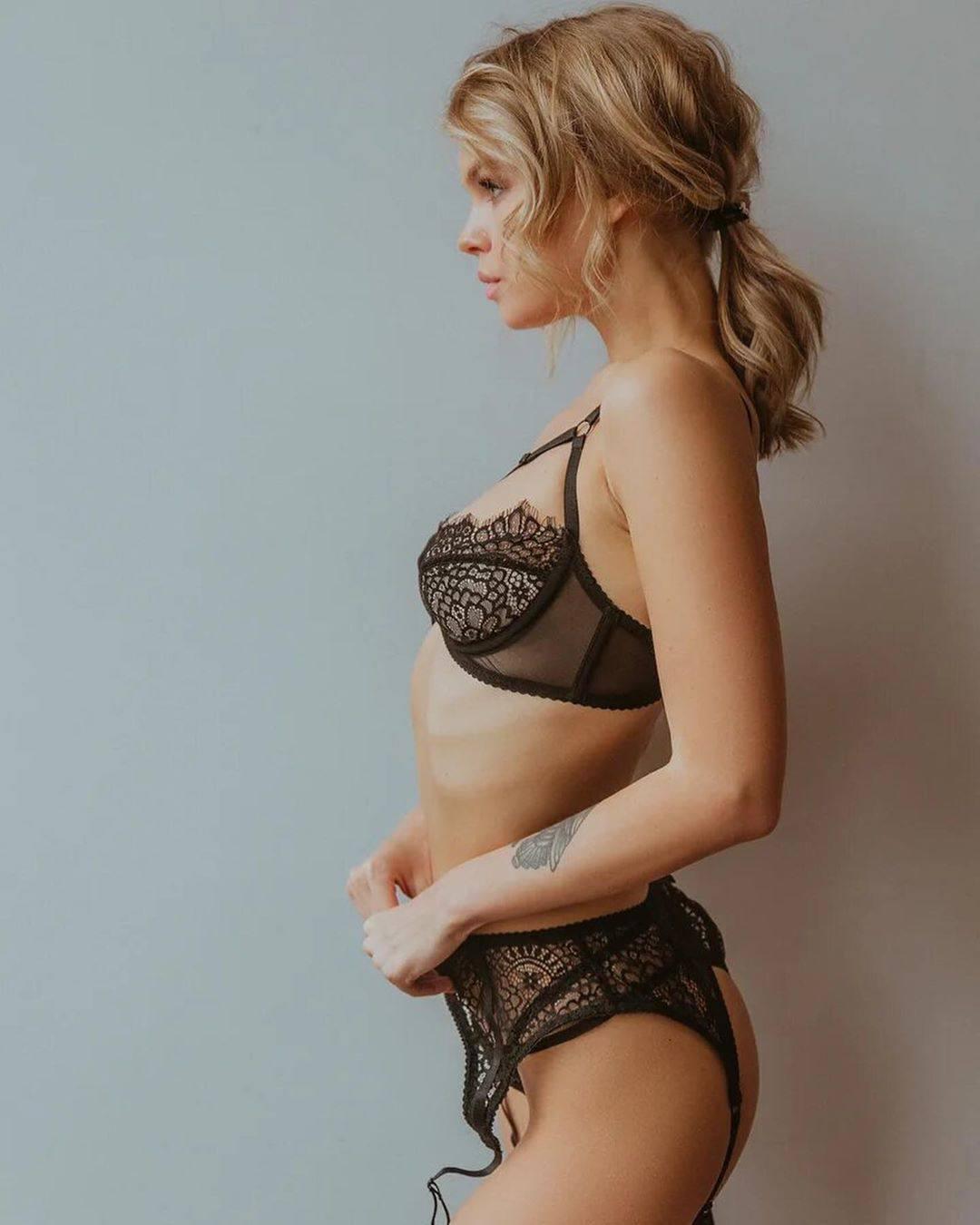 Anastasia Shcheglova Sexy In Black Lingerie