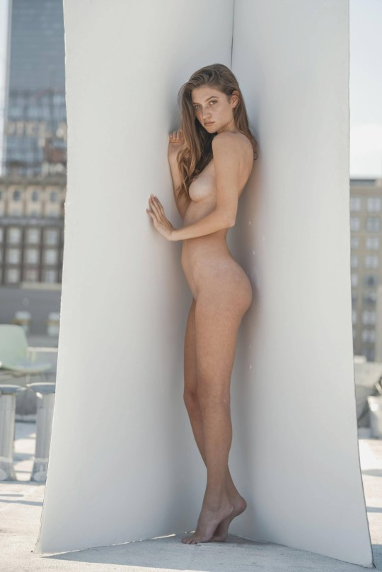 Elizabeth Elam Beautiful Nude Body