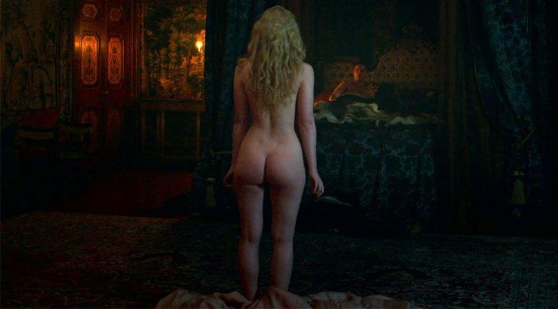 Elle Fanning Amazing Ass