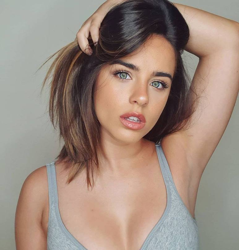 Georgia May Foote Sexy Cleavage