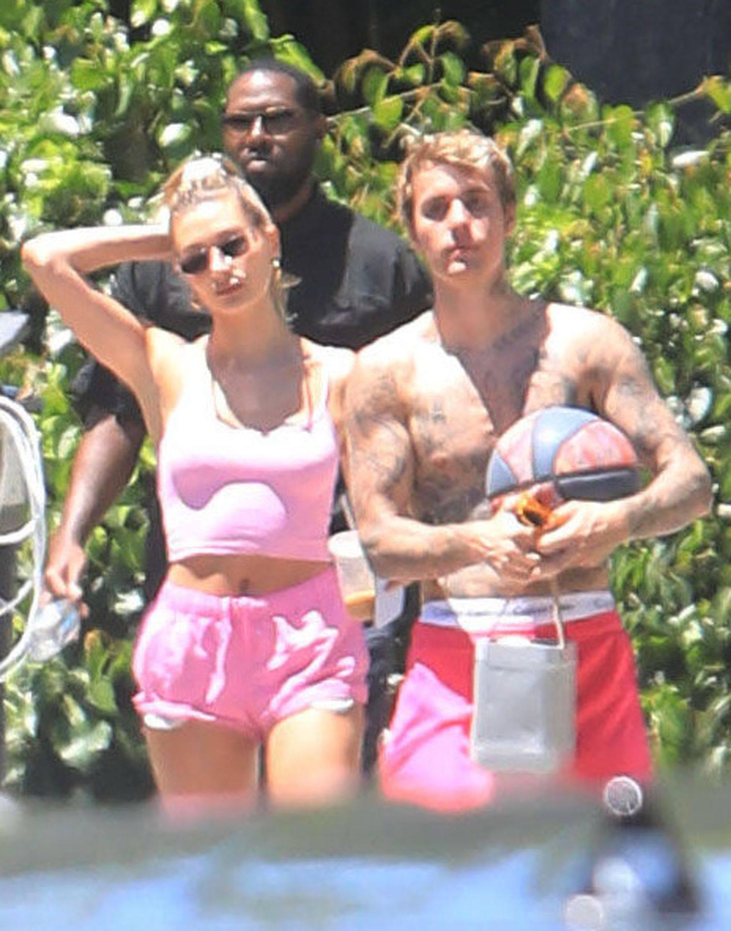 Hailey Bieber Hot Ass And Pokies