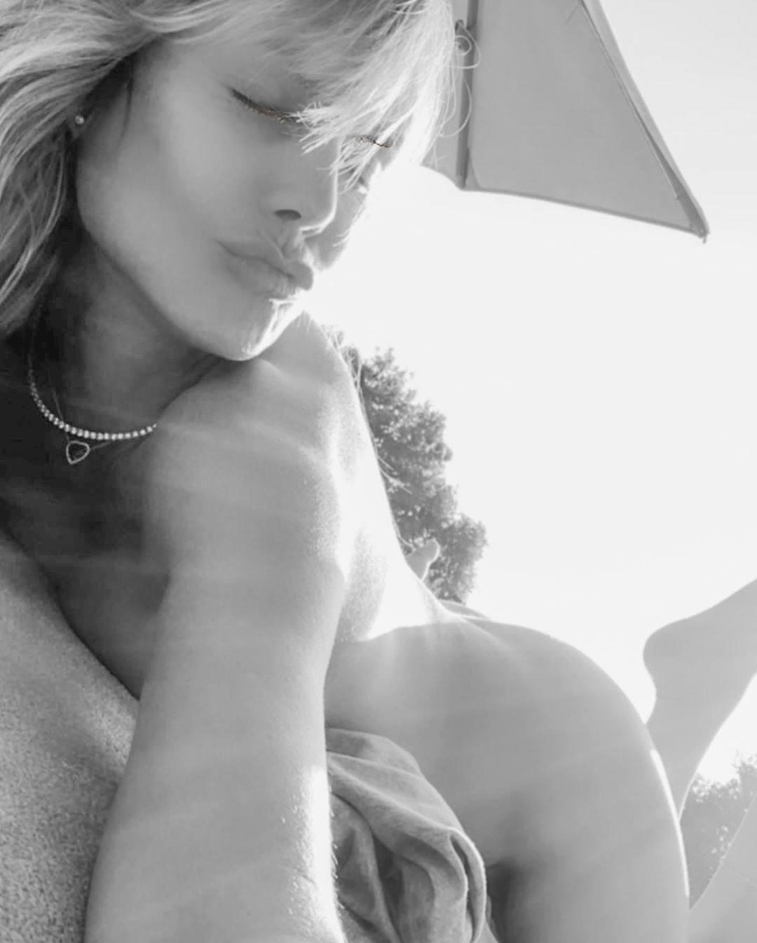 Heidi Klum Naked Selfies