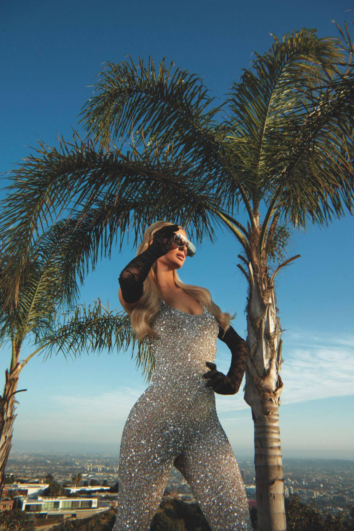 Paris Hilton Sexy Photoshoot