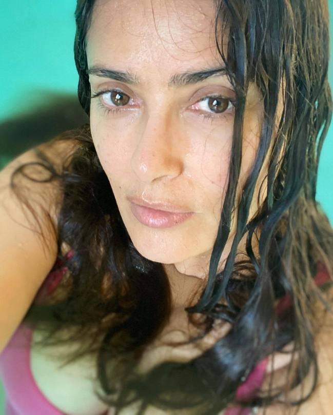 Salma Hayek Hot Cleavage