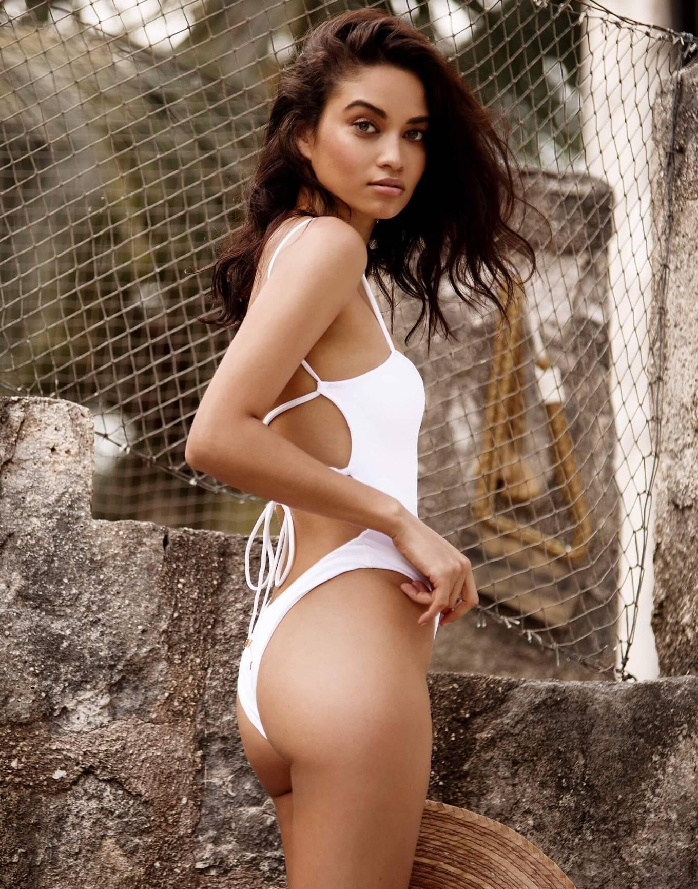 Shanina Shaik Hot Ass