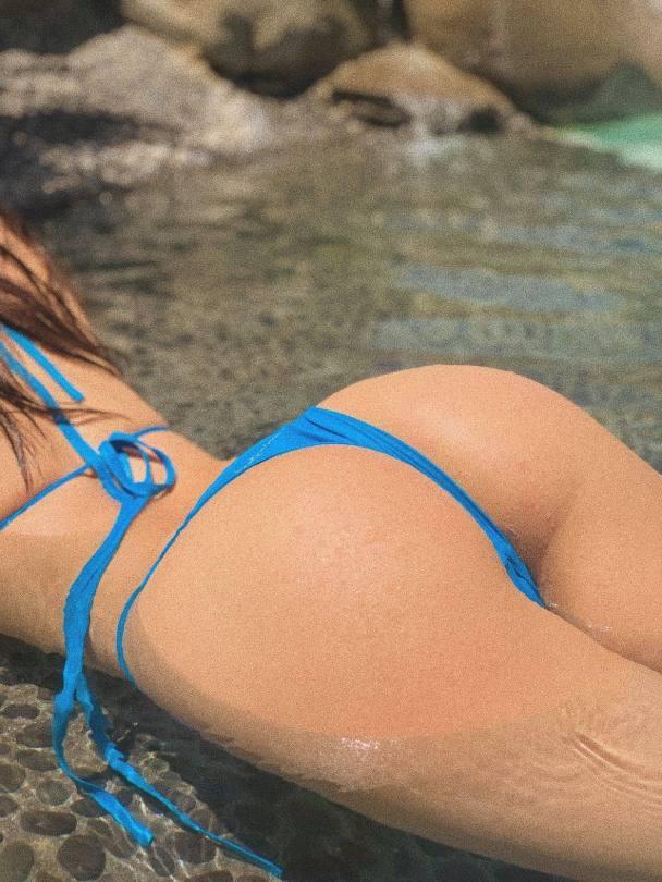 Sophia Mudd Hot Ass In Thong Bikini