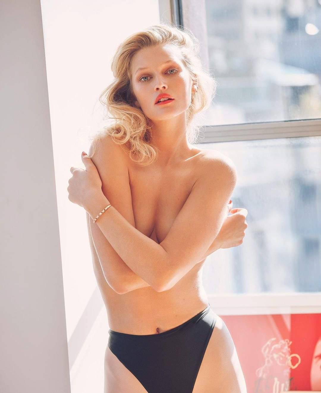 Toni Garrn Hot Photoshoot
