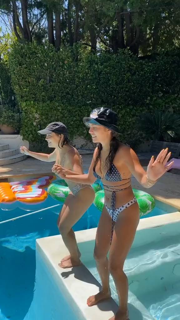 Vanessa And Stella Hudgens Sexy In Bikinis