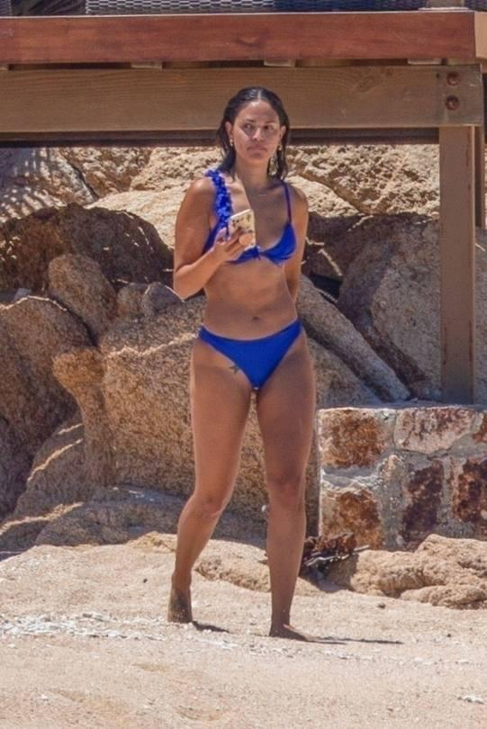 Eiza Gonzalez Hot Body In Bikini
