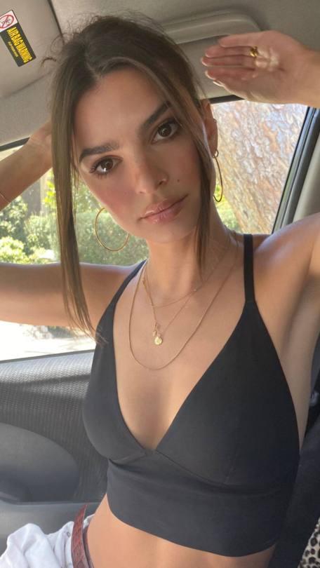 Emily Ratajkowski Sex In Black Top