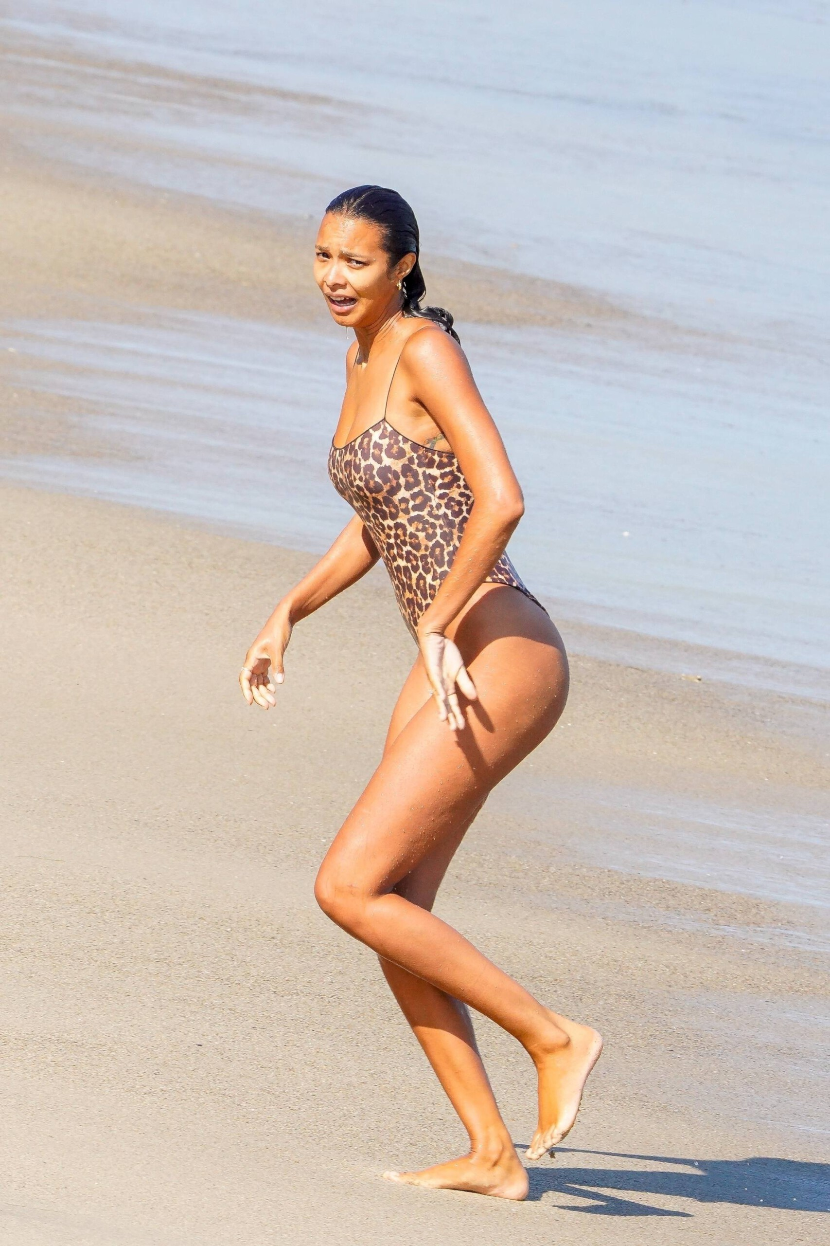Lais Ribeiro Sexy In Swimsuit