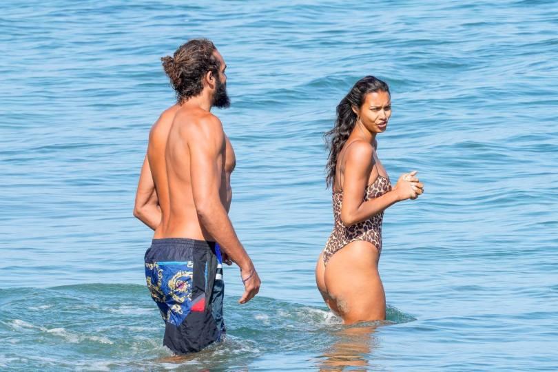 Lais Ribeiro Sexy In Swimsuit