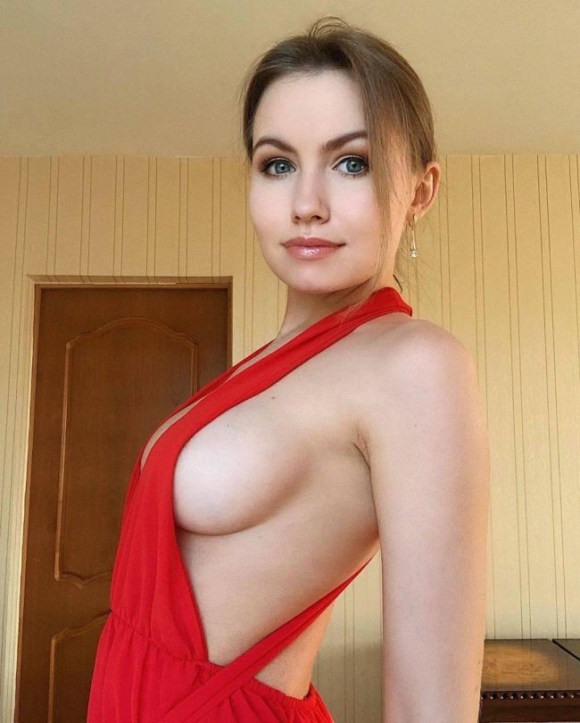 Nicole Kolosova Hot Pics