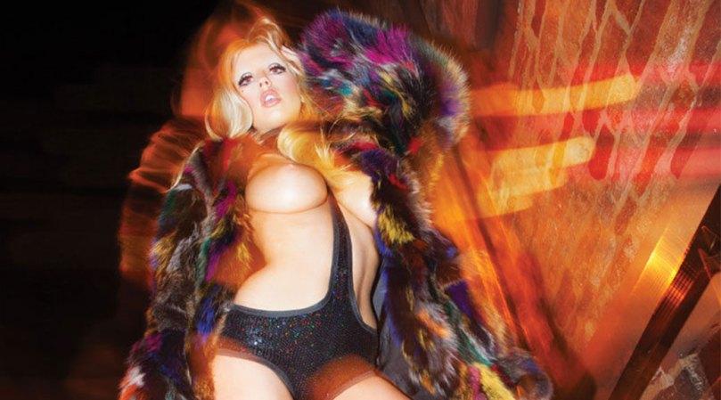 Charlotte Mckinney Sexy Topless Boobs