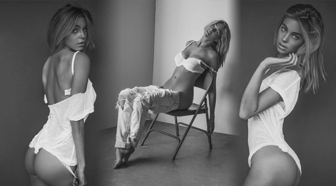 Elizabeth Turner – Sexy Naked Ass in a Beautiful B&W Photoshoot