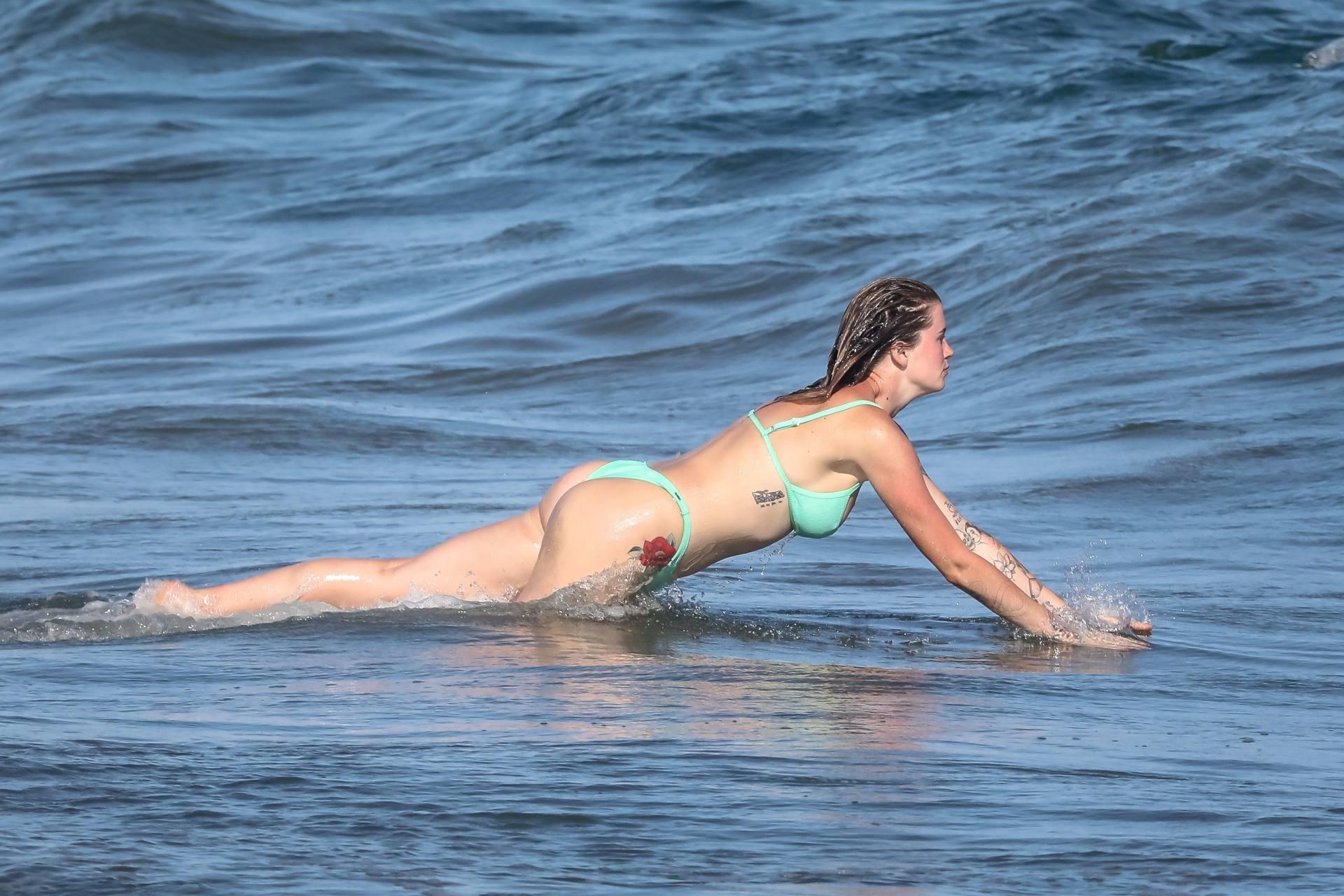 Ireland Baldwin Beautiful Boobs In Bikini