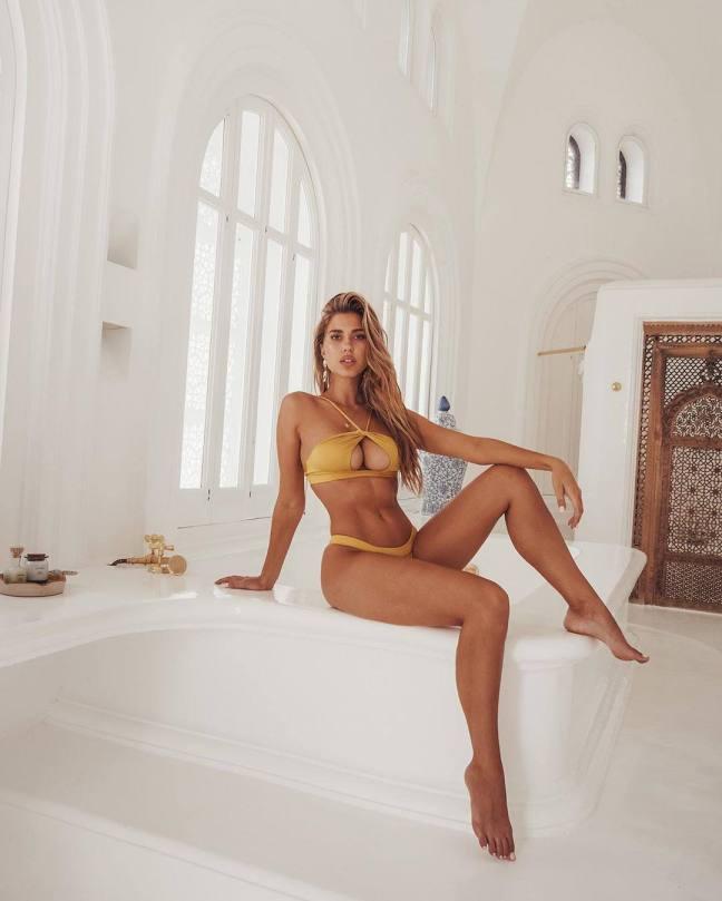 Kara Del Toro Sexy Body And Big Tits