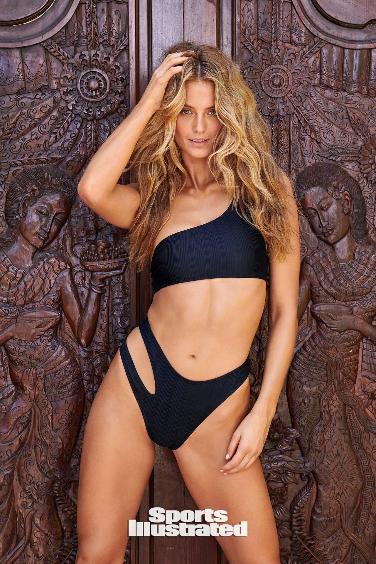Kate Bock Sexy Bikini Pics