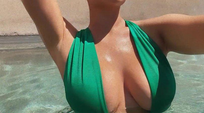 Kylie Jenner Huge Tits