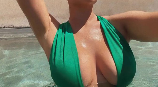 Kylie Jenner – Huge Sexy Boobs in Revealing Swimsuit