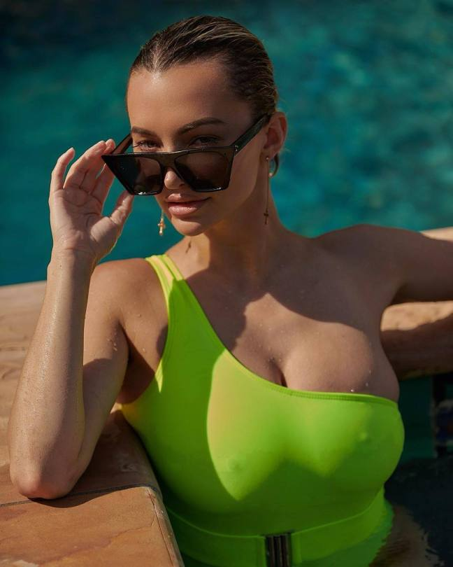 Lindsey Pelas Sexy Boobs And Nipples