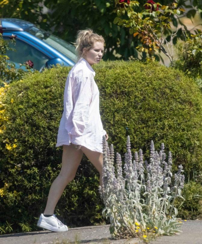 Lottie Moss In White Bra