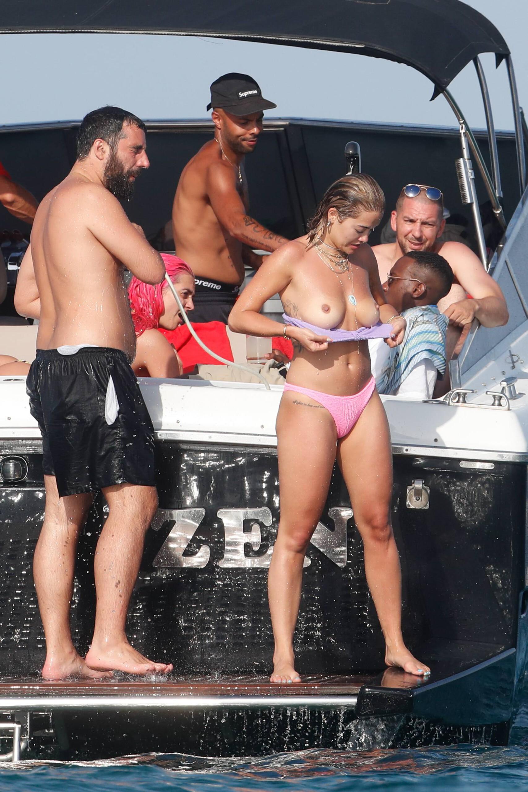 Rita Ora Topless Boobs