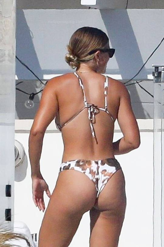 Sofia Richie Hot Body In Bikini