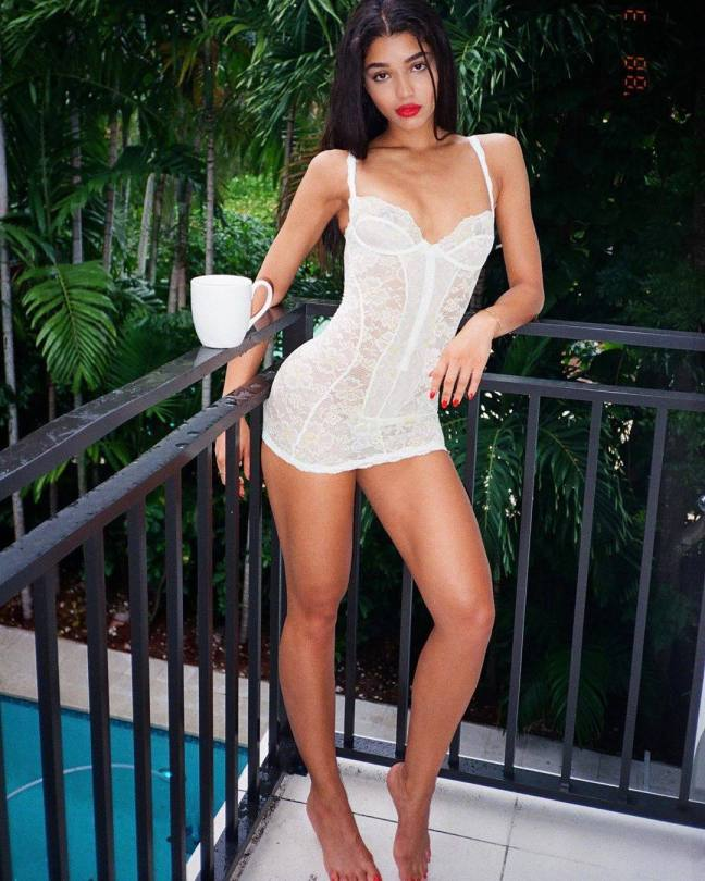 Yovanna Ventura Sexy Body