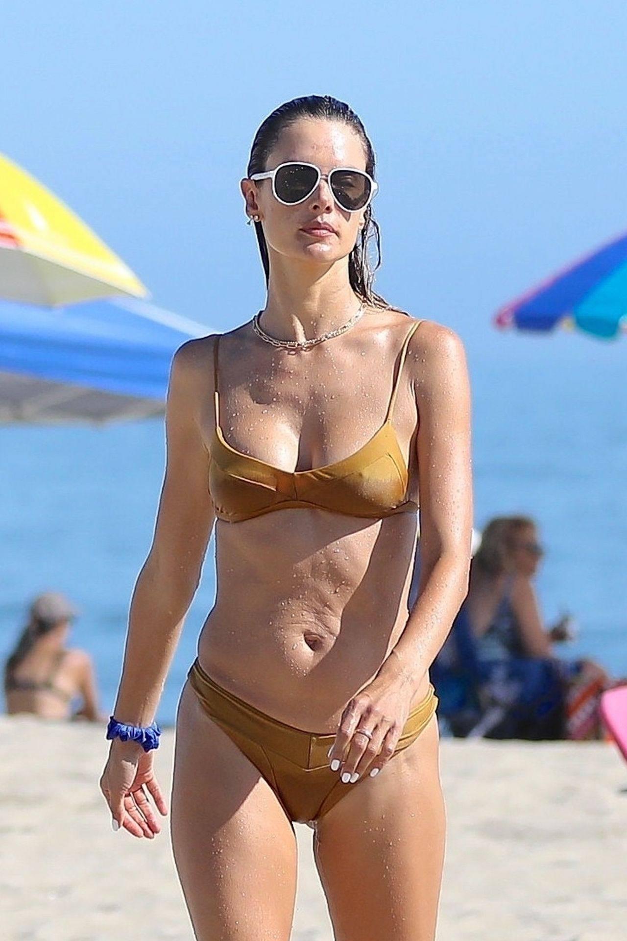 Alessandra Ambrosio Hot Body