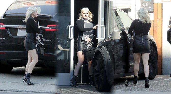 Ariel Winter Beautiful In Black Skirt