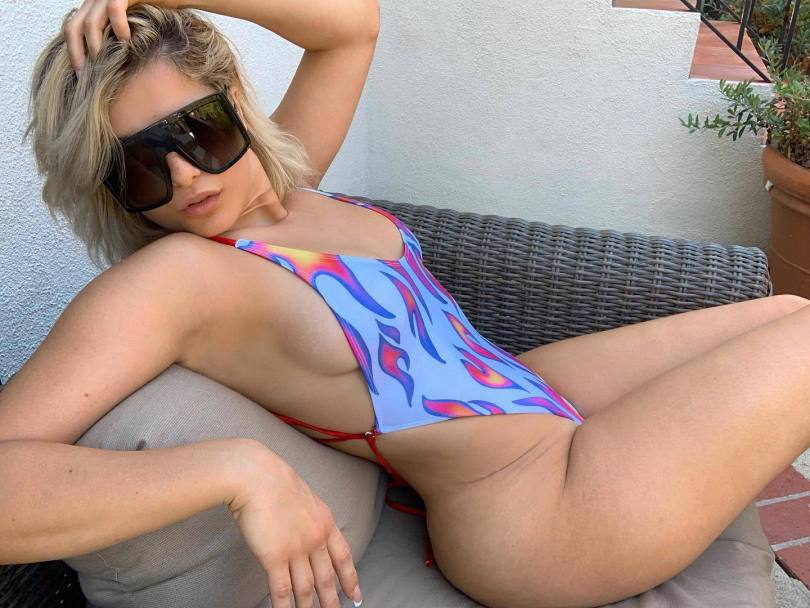 Beba Rexa Hot Body In Swimsuit