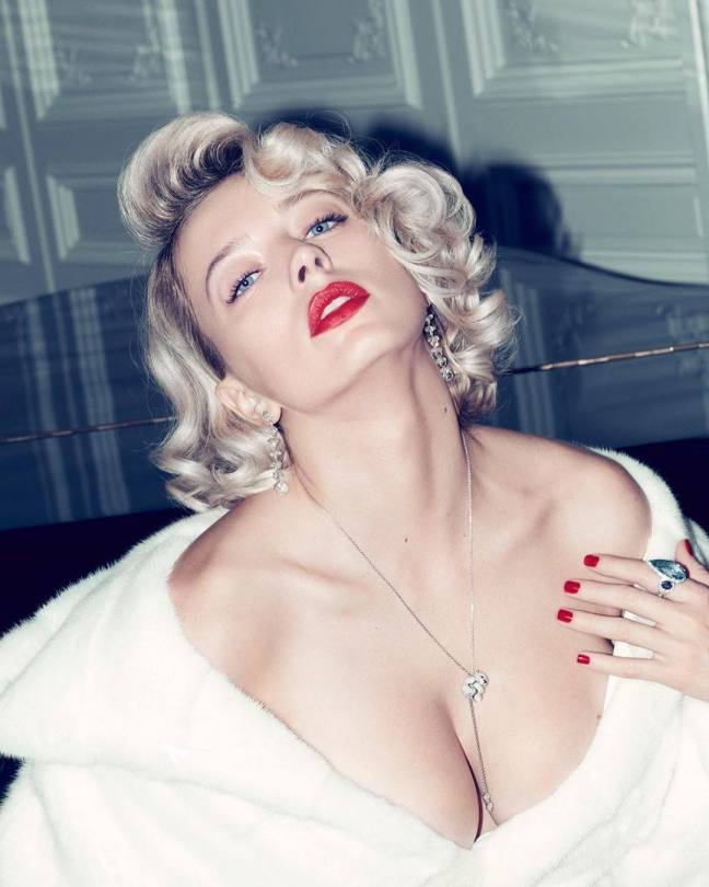 Caroline Vreeland Hot Cleavage